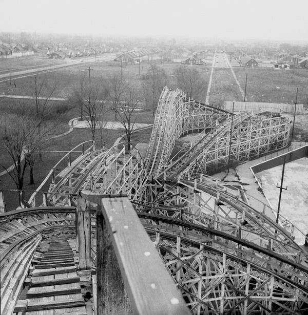 Eastwood Park - BOBS ROLLERCOASTER EASTWOOD PARK 1952 FROM NICK SAGE