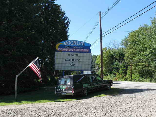 Moonlite Drive-In - 2014 PHOTO