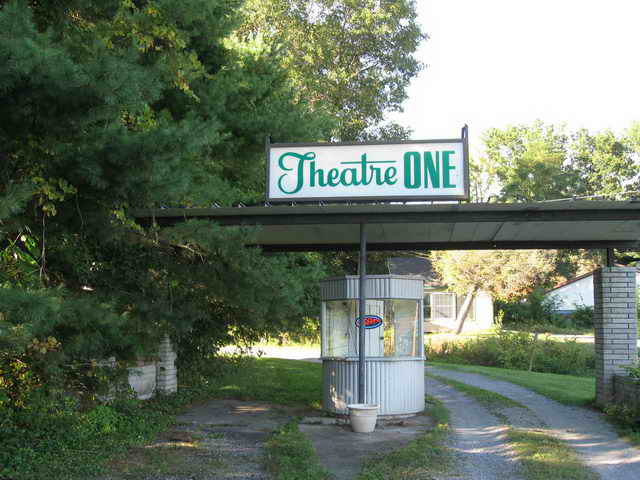 Point Drive-In - 2014 PHOTO