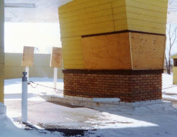 Pontiac Drive-In Theatre - TICKET LANE 1977 FROM GREG MCGLONE